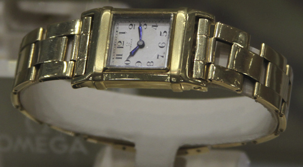 https://www.jewelrynloan.com/blog/collecting-vintage-omega-watches