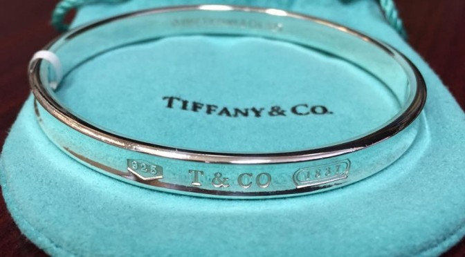 https://www.jewelrynloan.com/blog/tiffany-co-1837-bangle-400