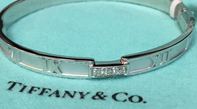 https://www.jewelrynloan.com/blog/tiffany-co-gold-atlas-bangle-3800
