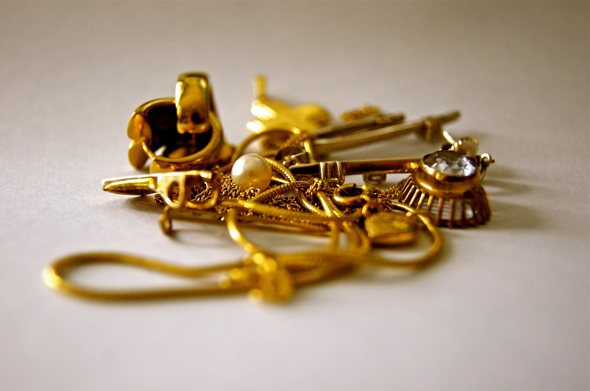 What Kind of Gold Jewelry Do You Own? Bring it in to Jewelry 'N Loan