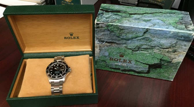 https://www.jewelrynloan.com/blog/rolex-submariner-box-papers