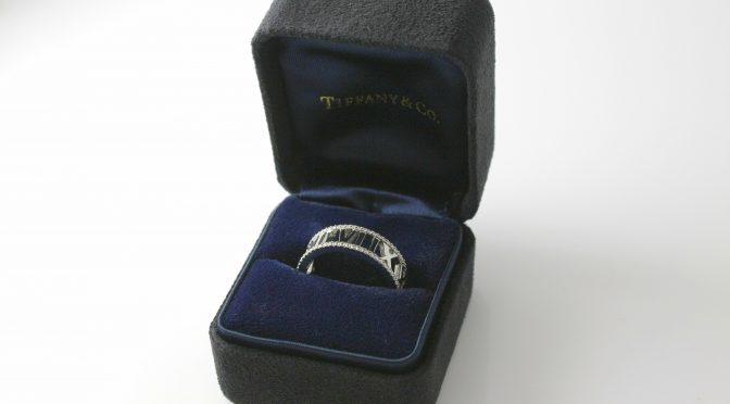 https://www.jewelrynloan.com/blog/tiffany-co-atlas-18k-white-gold-diamond-ring-2100